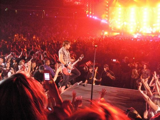 Keith Urban moving to the second stage right in front of me at Arco Arena in 2009. (Photo taken by Ready Set Sarah)