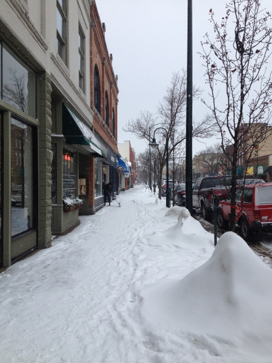 Front Street Traverse City (image by ReadySetSarah)